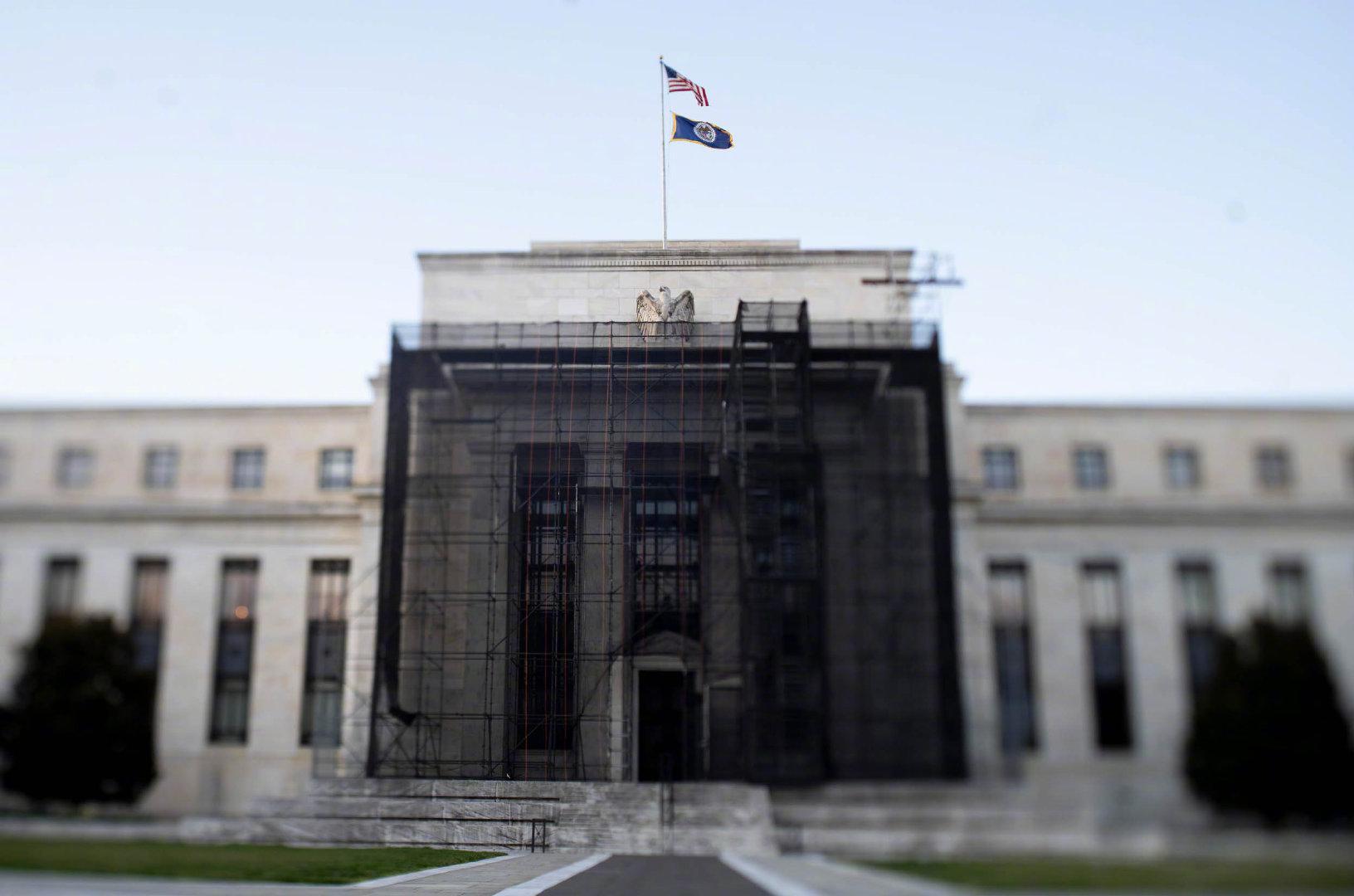 美国作为国际货币发钞国的优势