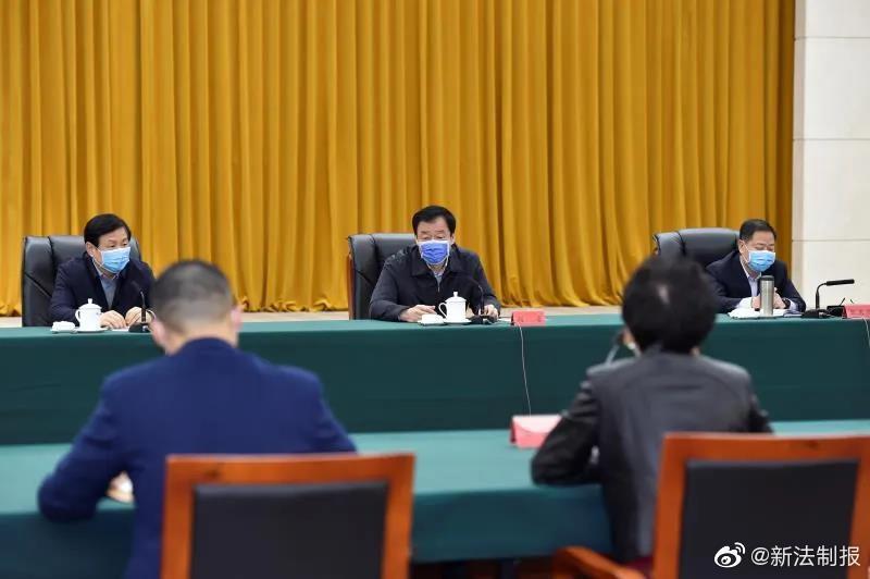 刘奇书记主持召开稳就业惠民生工作座谈会