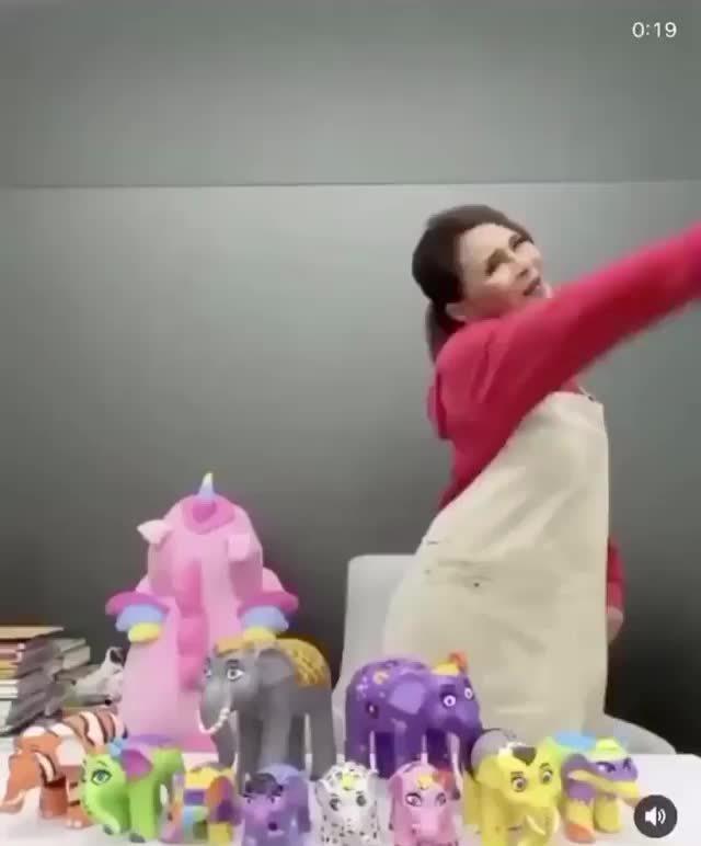 泰国乌汶叻公主翻唱神曲!活力十足