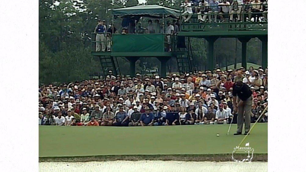 美国大师赛高光时刻:2004年米克尔森超长冠军推+经典纵身一跃