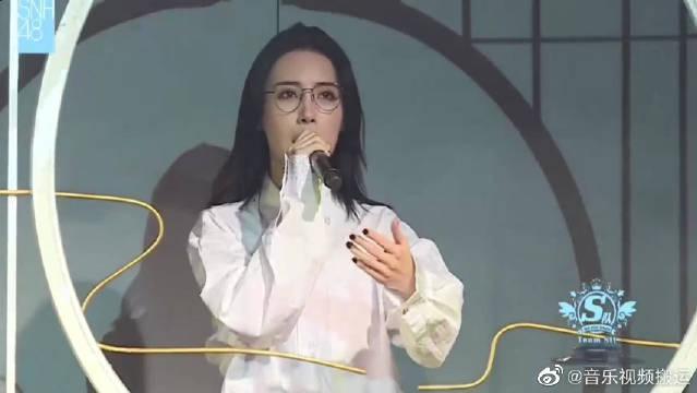 SNH48孙芮演唱《精忠报国》表现大气……