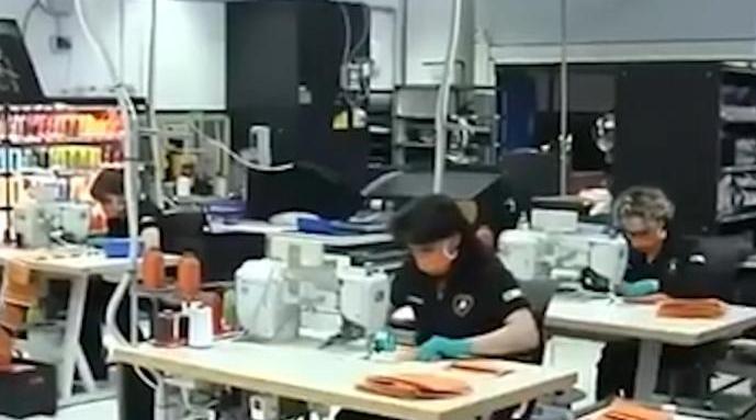 兰博基尼每天手工缝制1000只口罩:用3D打印机生产防护医用面罩