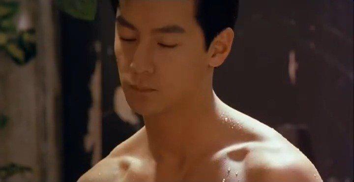 当年和王祖贤的一段亲密戏,这颜值这腹肌这荷尔蒙……