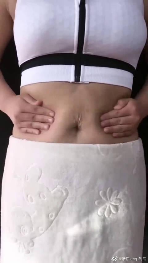 懒人瘦肚子手法,每天坚持拍打肚皮,加快脂肪燃烧,瘦掉大肚子