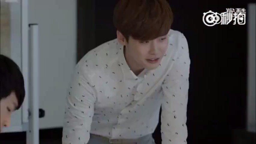 李钟硕和朴信惠出演的微电影《Lnog distance love》一对异地恋的