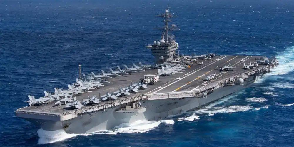 """暴露疫情的航母舰长被骂""""愚蠢"""",美国海军士气受打击?"""