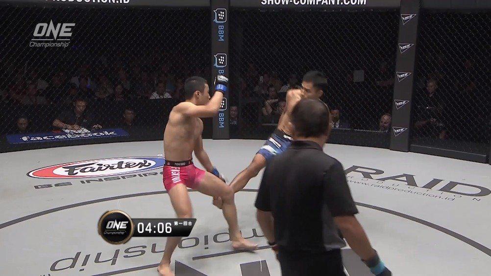 制胜瞬间:@MMA彭學文 顶住客场压力,击退印尼本土降服高手!!