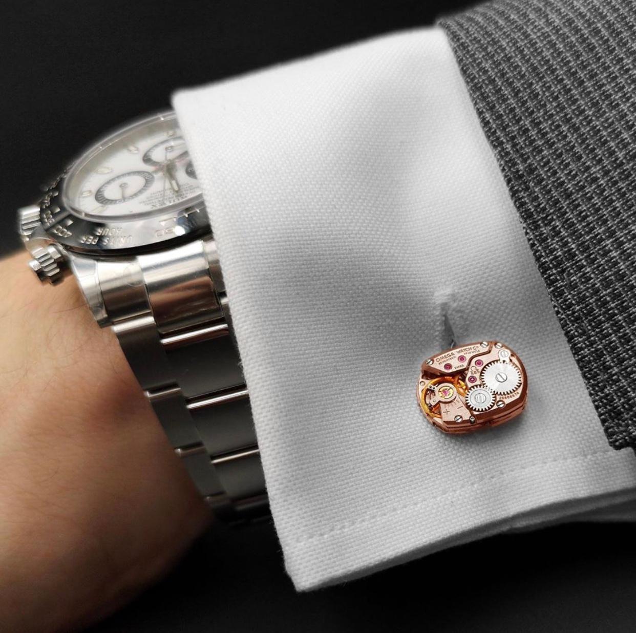 手表机芯造型的袖扣,有点酷!