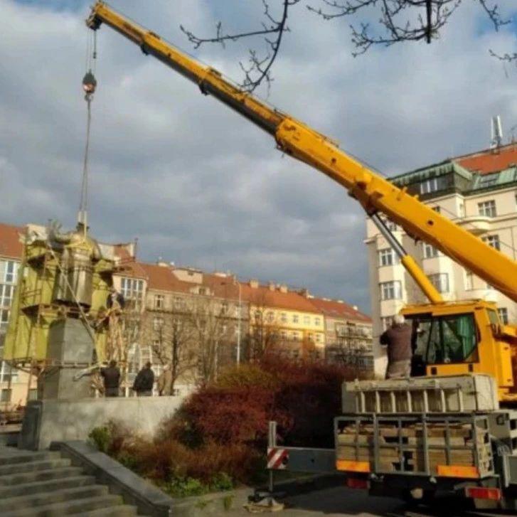 布拉格拆苏联元帅雕像 讽其未戴口罩 俄防长请求追责