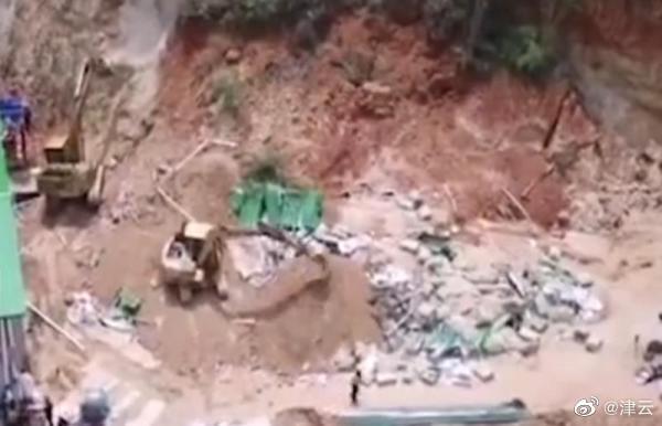 广东紫金县一养鸡场发生山体崩塌……
