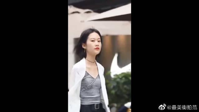 杭州美女街拍:高贵气质小姐姐,气场很强啊