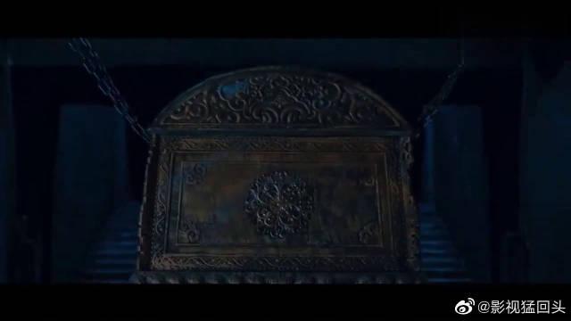 这段神还原鬼吹灯!鹧鸪哨开棺见不朽女尸,女尸自己飞了么?