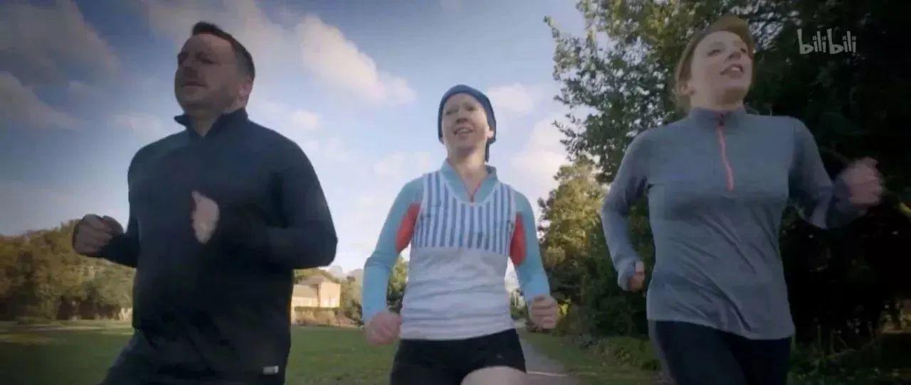 颠覆跑步三观: 每天1万步能养生?跑步伤膝盖?为何跑步易上瘾?