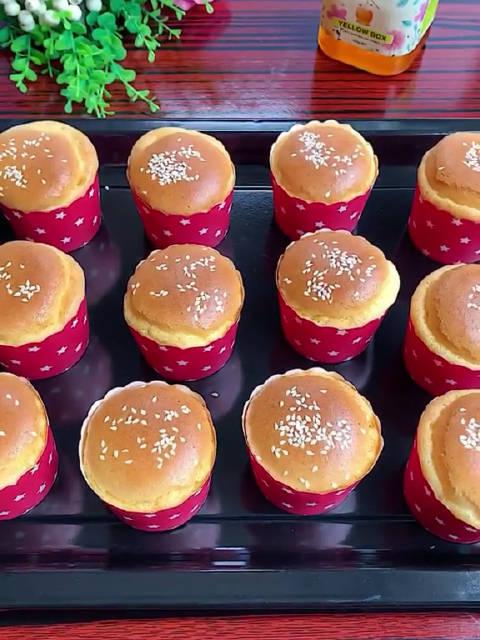 爱吃蛋糕又怕胖的看过来,简单又好吃的蜂蜜蛋糕出炉啦~~~
