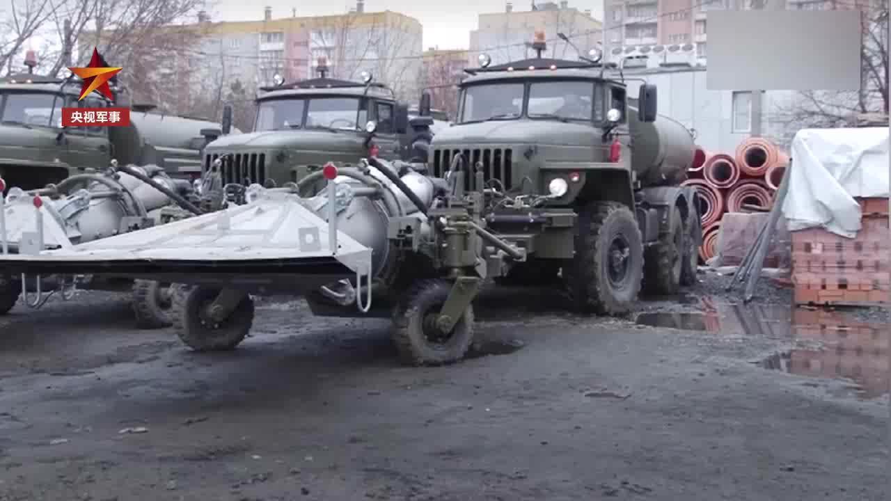 硬核!俄改装米格15发动机上街消毒