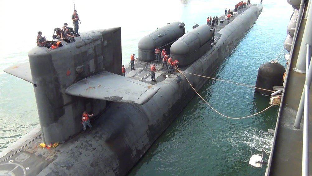 """核潜艇的保姆——美国海军""""埃默里·兰德""""级潜艇维修供应舰"""
