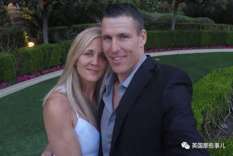 """妻子""""失踪""""后,他导演了一出她死于新冠病毒的戏码…"""