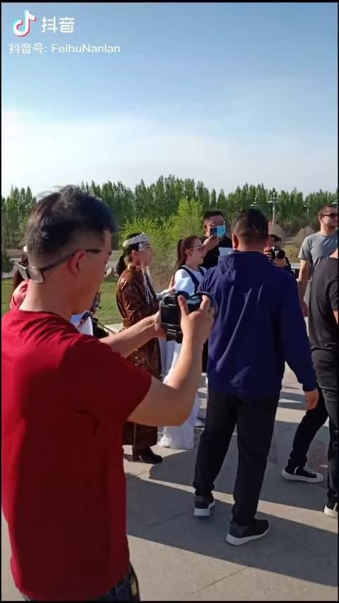 新疆广汇男篮今日来到博尔塔拉蒙古自治州