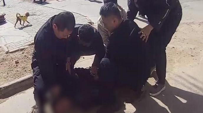 男子因嫖资50元杀人逃亡16年被抓:被捕时要看警察工作证