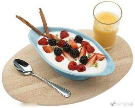 MM们为了减肥瘦身,经常以水果、蔬果汁来替代早餐