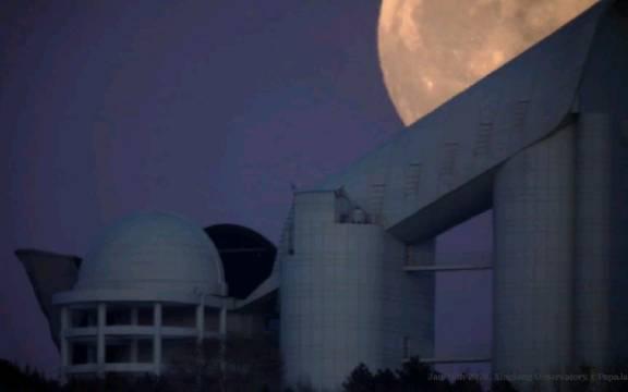 8倍速的月升,于中国科学院国家天文台兴隆观测站……