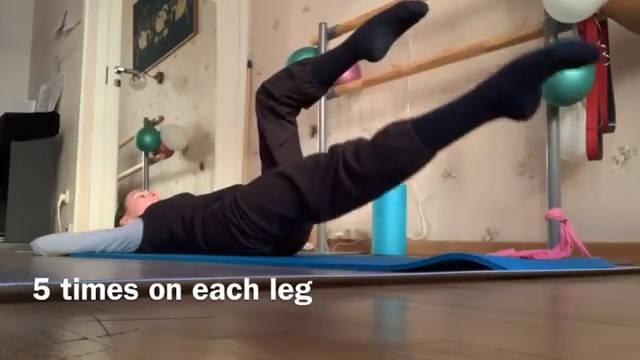 精灵Maria Mia在家的练功日常 腹肌马甲线练习(三) 马住~五月瘦