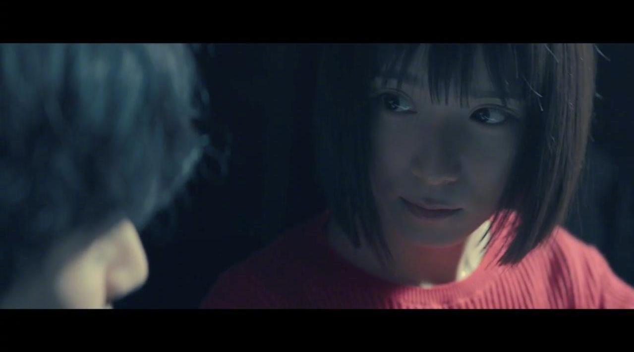 日本音乐片《蜜蜂与远雷》里……