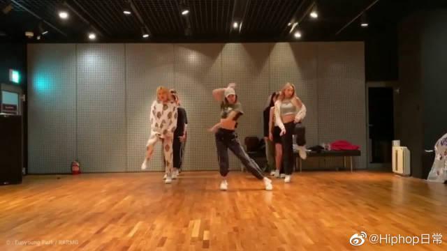 LISA《Senorita》练习室舞蹈公开!果然是吃得苦中苦方为人上人