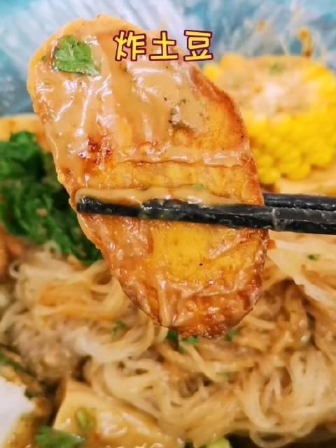在天津,洪湖里楼群里有家18年的麻辣烫小店,你去吃过嘛?