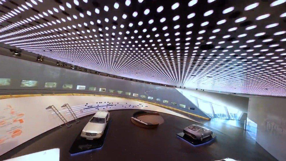 梅赛德斯博物馆再度开放,这个无人机拍摄实在是NB……