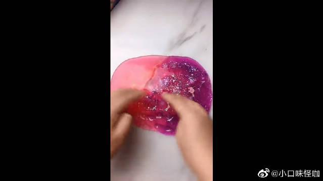 粉色系的水晶泥,手感很不错捏起来太解压了!