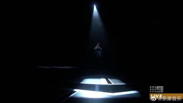 《马戏之王》主题曲,瞬间就点燃全场气氛,高音炸裂!