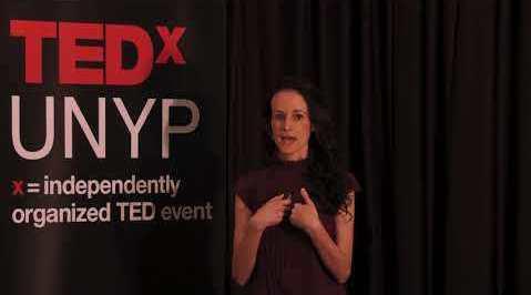 "TED英文演讲:纽约大学教授Bethany Butzer解释了""下游努力""的"