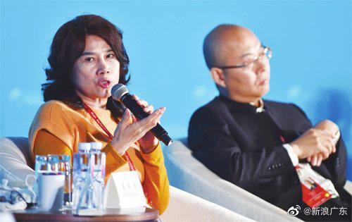 全国人大代表董明珠:个税起征点提高到10000元人民币