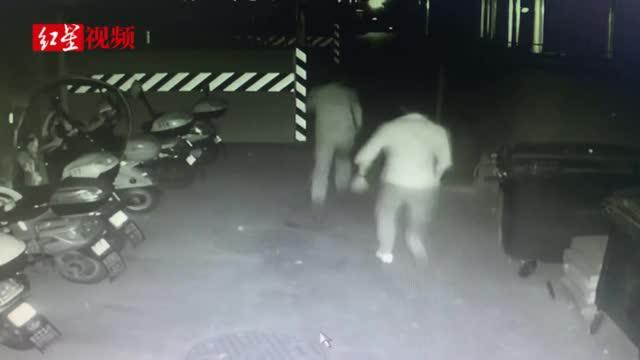 遇交警查酒驾竟躲进交警大队院子 然后逃跑、伪装、脱衣、躲藏……