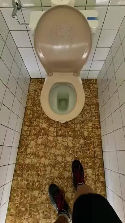 这个厕所门打开门的瞬间真的惊到我了……