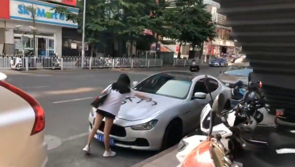 网友投稿,坐标贵阳亨特广场……