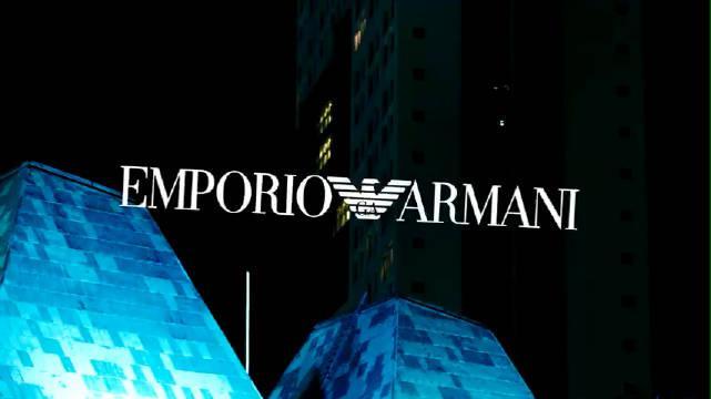 大中华区及亚太区形象代言人 身着Emporio Armani新款服装……