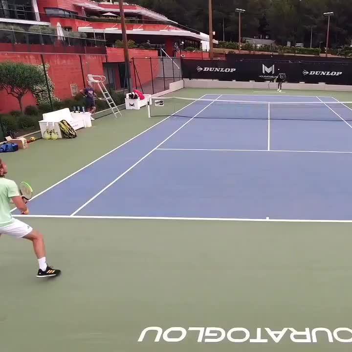 西西帕斯和阿利亚西姆在莫拉托格鲁网校训练……