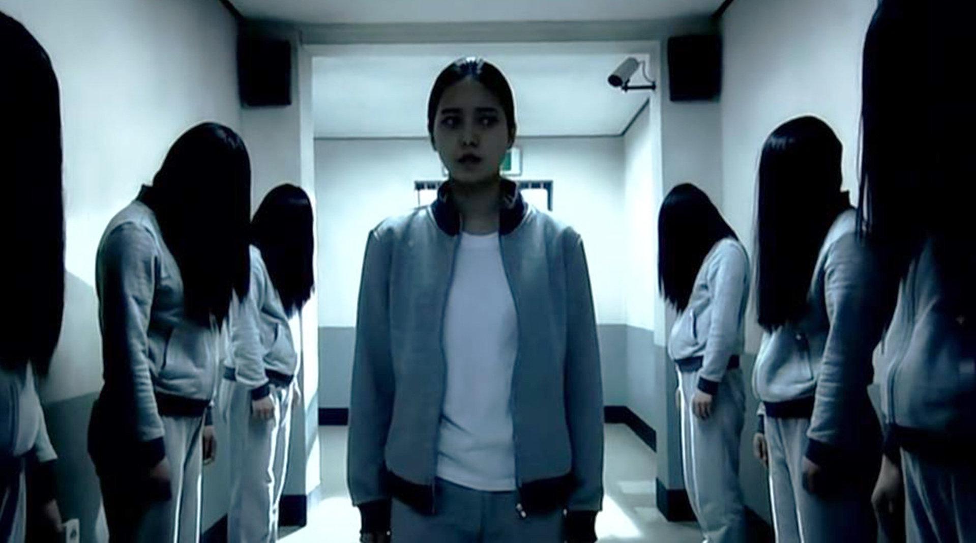 又一部讽刺高考的韩国片,高压活活逼死人,女学生精神失常灭杀同