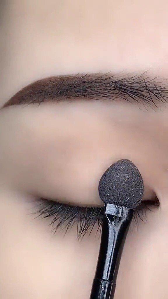 单眼皮眼妆这样晕开很好看,你学会了吗?