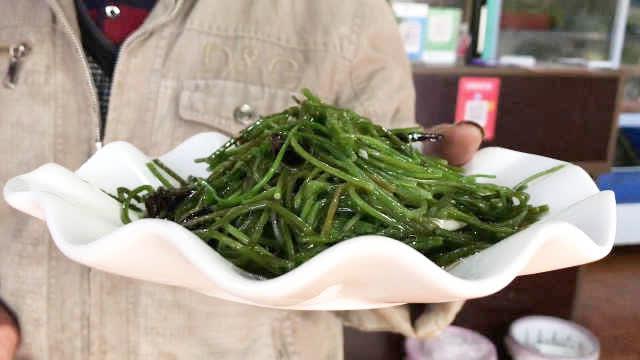 太美了!你知道泸沽湖水性杨花还能被做成菜吃吗?