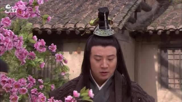 阎王下凡游玩,竟被人请去喝满月酒,哪料婴儿一见他的反应绝了!
