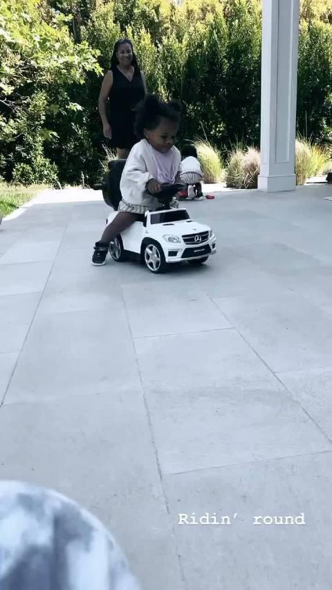 看看我们Jo妹车技如何