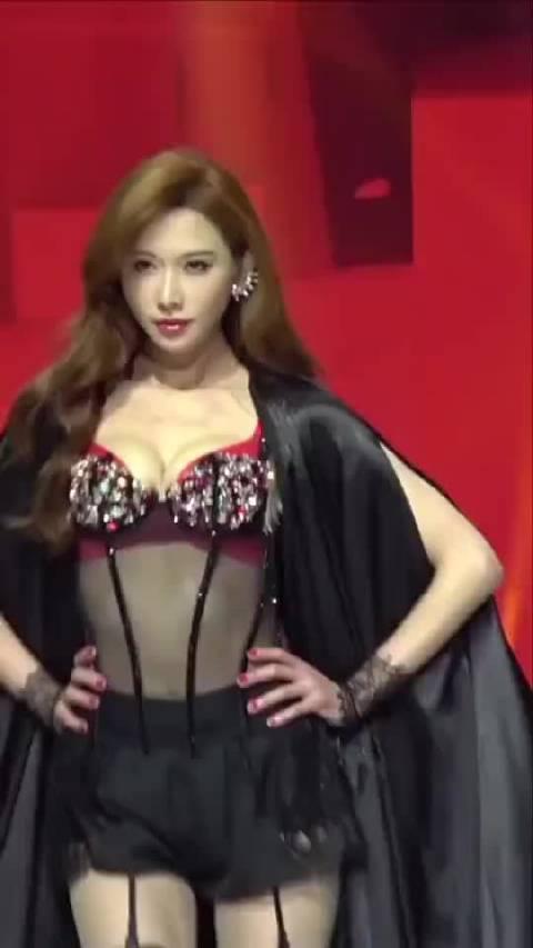 中国超模舞台上的志玲姐姐