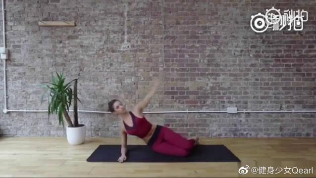 6个普拉提动作,可以给脊柱热身,拉伸手臂和腿部肌肉……