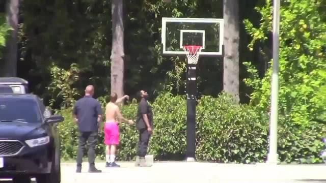 5月25日:Justin Bieber在加利福尼亚州比佛利山庄