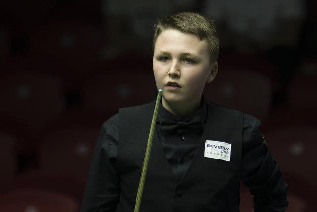 斯诺克后浪:14岁为国出战梦想成为世界冠军