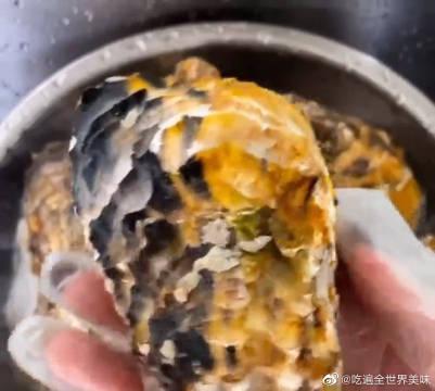爱吃生蚝的收藏了~ 这样自制蒜蓉生蚝,越吃越想吃!