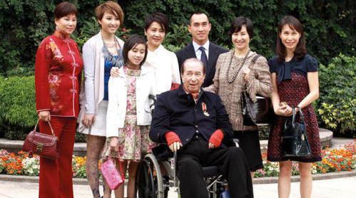 5月26日,据港媒,赌王,享年98岁。 何鸿燊一生有17个子女……